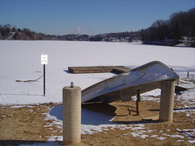 Photo - Lake Junaluska frozen and snow covered